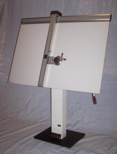 227 Tekentafel met machine Image