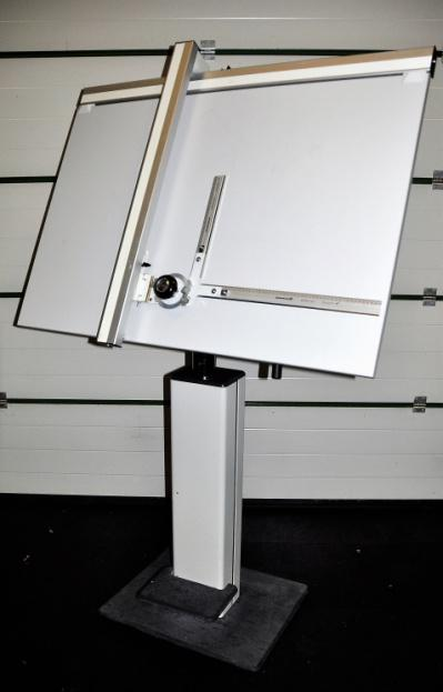 215-B Tekentafel met machine Image
